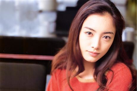 Karakui.com Special: That actress? She's from Okinawa. (2/6)